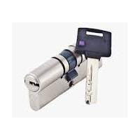 MUL-T-LOCK ClassicPro cilindro di sicurezza